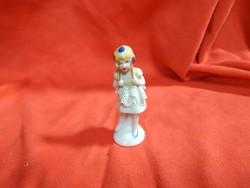 Német lányka figura
