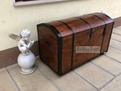 Antik bútor, Felújított régi utazó láda 19 nagyméretű.