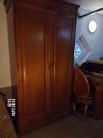 Lajos Fülöp tömör cseresznyefa szekrény