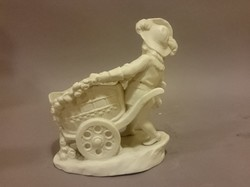 Biscuit porcelán figura