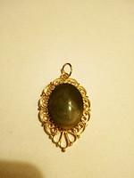 Tűzaranyozott olivazöld köves medál 154.