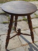 Ónémet 3 lábas asztal