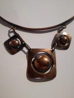 Iparművészeti réz ötvös munka merev nyaklánc medáljával