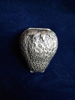 Ezüst eper formájú szelence 925-ös