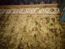 Gyönyörű mintás szőnyeg 280x200 cm