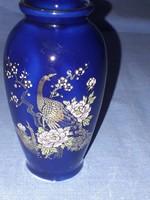 Porcelán kis váza