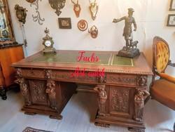 Hatalmas antik,alakos faragású reneszánsz íróasztal !