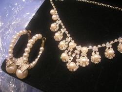 N15 Díszes csillogó  collié + fülbe valókkal szett divat ékszer díszdobozban  ajándékozhatóan eladó