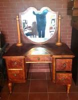 Antik metszett üveges fésülködő asztal