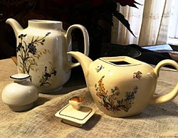 Régi porcelán ,tűzálló porcelán teáskannák