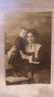 Antik fotó anya gyermekével