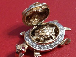 14K arany teknősbéka medál