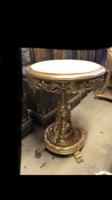 Arany kisasztal bézs márvánnyal