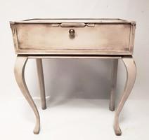 Vintage konzolasztal