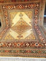 Gyönyörű nagyméretű perzsa szőnyeg 250x360-cm