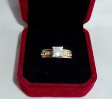 14k gyémánt gyűrű 0,30 princess csiszolású brillekkel