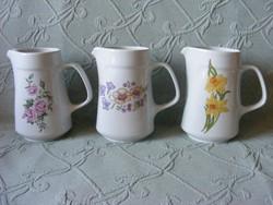 Virágos alföldi porcelán vizes kancsó