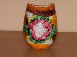 Kézzel festett kis váza