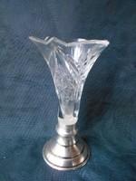 Ezüst talpon kristály váza.Hibátlan,szép darab.