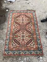Régi kézi csomózású szőnyeg