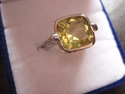 ÉVINDÍTÓ AKCIÓ! szikrázó világos zöld peridot ezüst gyűrű