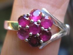 925 ezüst gyűrű, 17,5/55 mm, áttetsző rubinokkal
