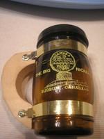 N17 Canada jelzéssel érdekes fűszer szóró üveg+ fém+fa  eladó 8 cm-es hibátlanul