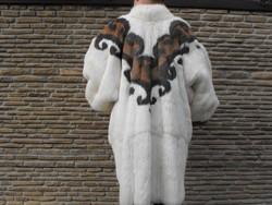 Különleges kanadai szőrmebunda