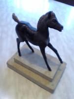 Bronz szobor kiscsikó első lábraállási próbálkozása zsűrizett,számozott