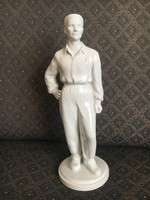 Herendi gyári munkás férfi - szocreál, retro szobor, Herczeg Klára tervezte
