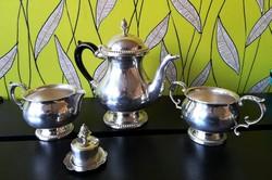 Ezüstözött, gyönyörű állapotú angol teás szett! A kanna 19.5x 20 cm-es.