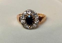 Csodaszép női antik gyűrű ovális kék zafírral 10 db briliánsal Fémjellel szép egyedi darab.