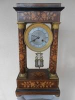 Antik négy oszlopos asztali/kandalló óra
