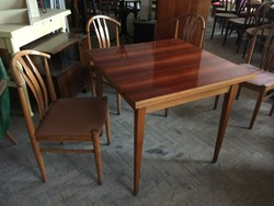 Retro régi szétnyitható asztal hosszabbítható étkezőasztal