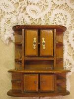 Szekrény babaházba bútor