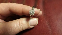 14Kfehérarany  brill gyűrű 1,39ct