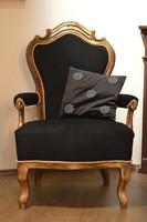 Antik karfás szék - trónszék
