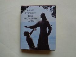 László Gyarmathy The Promised Land minikönyv