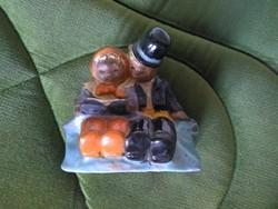 KOMLÓS kerámia Ritkaság: padon ülő olvasó pár