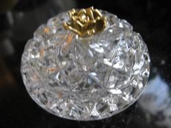 Pici kristály bonbonier, gyűrűtartó arany rózsa fogóval