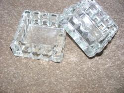 Retro metszett üveg dizájn hamutál