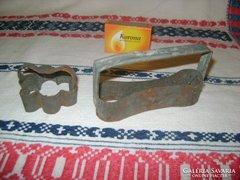 Két darab régi süteményes forma - babapiskóta,.....