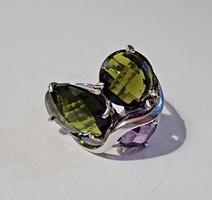 Két zöld és egy lila köves ezüst gyűrű