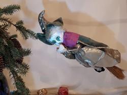 Porcelán fejű baba, repülő boszorkány, gyűjtői darab