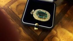 14K Art Deco smaragd és brill medál