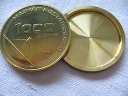 """Csavaros """"spion"""" 1000 forintos 2002"""