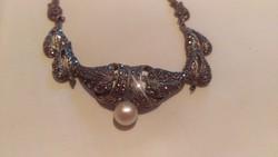 Antik ezüst nyaklánc gyönggyel és markazitokkal