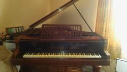 Lauberger & Gloss bécsi zongora 1920-ból.