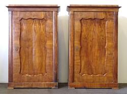0U601 Antik biedermeier ruhásszekrény pár
