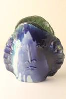 Laborcz Monika váza. Női fej forma kerámia váza